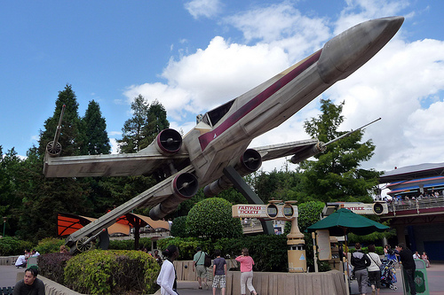 X-wing-star-tour